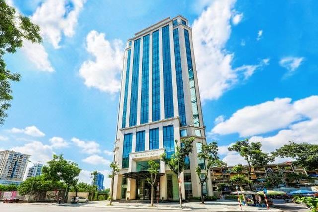 Khách sạn hàng trăm tỷ rao bán, chủ lớn cũng cạn tiền ngủ đông - 1