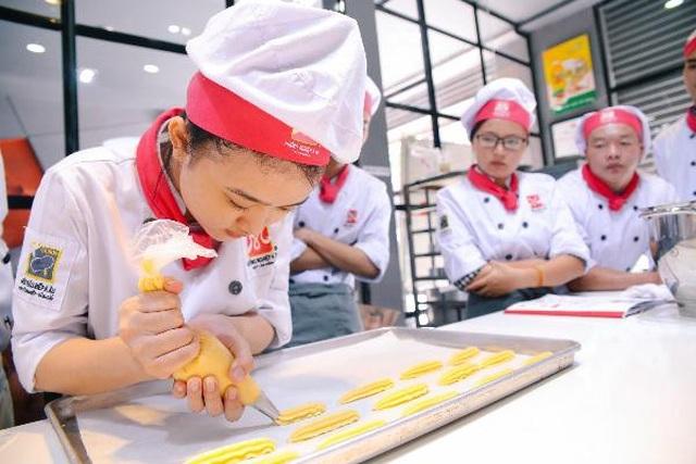 Hành trình khởi nghiệp cô chủ tiệm bánh xinh đẹp - 1