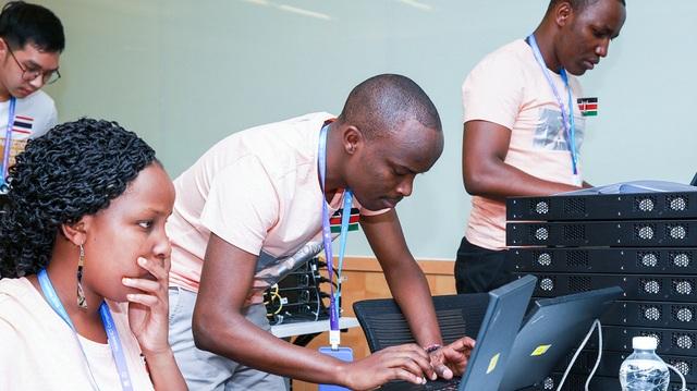"""Nhậm Chính Phi và """"sứ mệnh"""" đào tạo nhân tài ICT - 3"""
