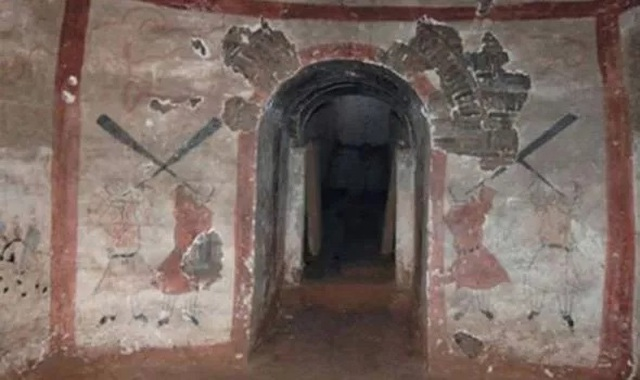 Phát hiện quái vật xanh trong cổ mộ 1.400 năm tuổi ở Trung Quốc - 1