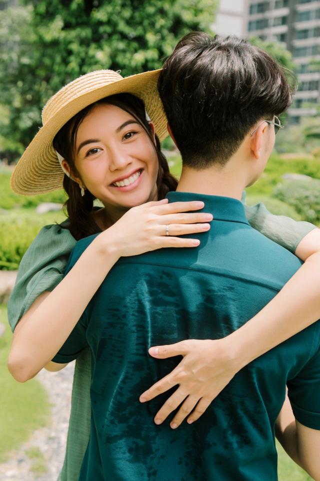 """Đang mang bầu, Á hậu Thúy Vân được nhà chồng cưng như """"trứng mỏng"""" - 1"""