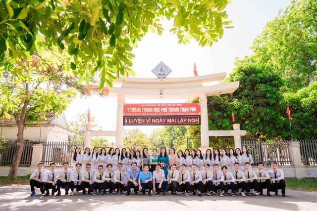 Ngỡ ngàng lớp học trường huyện có 14 thí sinh đạt từ 27 điểm trở lên - 1