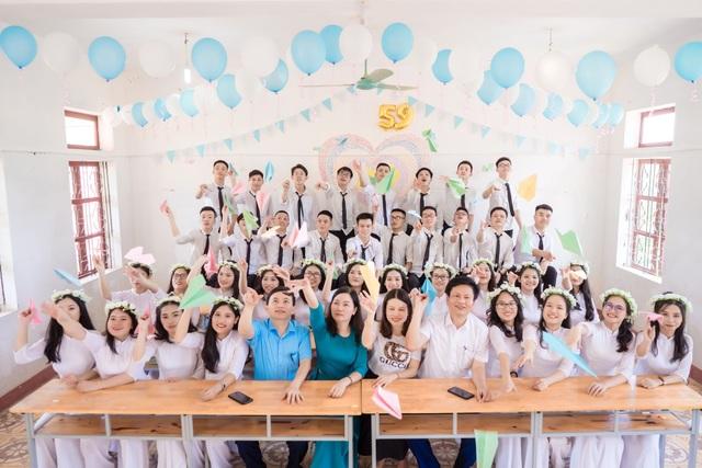 Ngỡ ngàng lớp học trường huyện có 14 thí sinh đạt từ 27 điểm trở lên - 2