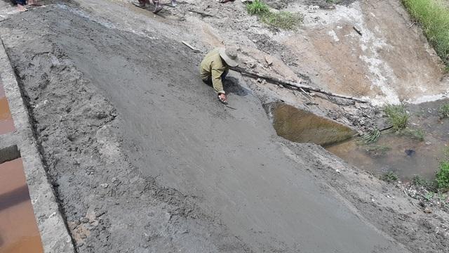 Kiểm tra thực địa dự án trăm tỷ đắp bùn nhão để trám bê tông tại Gia Lai - 3