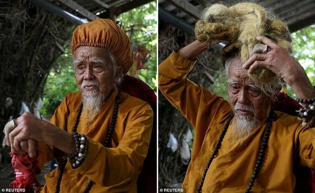 Báo Anh viết về cụ ông 92 tuổi người Việt không cắt tóc suốt 80 năm qua - 6