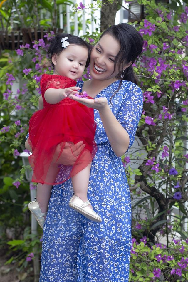 Nguyễn Ngọc Anh lần đầu hé lộ về con gái 1 tuổi xinh như búp bê - 3