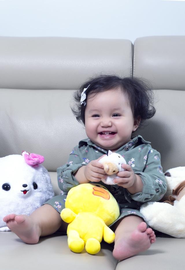 Nguyễn Ngọc Anh lần đầu hé lộ về con gái 1 tuổi xinh như búp bê - 10