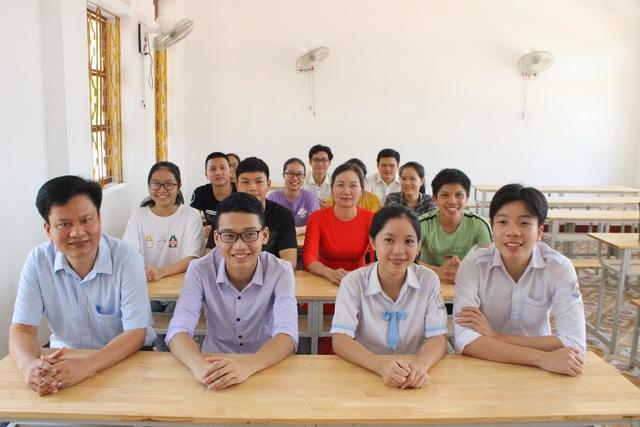 Ngỡ ngàng lớp học trường huyện có 14 thí sinh đạt từ 27 điểm trở lên - 4