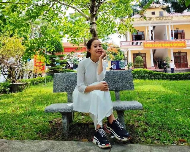 Nữ sinh Nam Định đạt điểm 10 môn Văn tốt nghiệp: Bài thi dài 12 trang giấy - 1