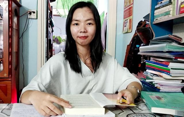 Nữ sinh đạt điểm 10 Ngữ Văn ở An Giang: Đam mê đọc sách, tự học là chính - 1