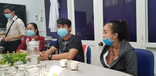 Bé trai bị bỏ rơi ở sân chùa: Cha mẹ vỡ oà đón nhận kết quả xét nghiệm ADN - 5