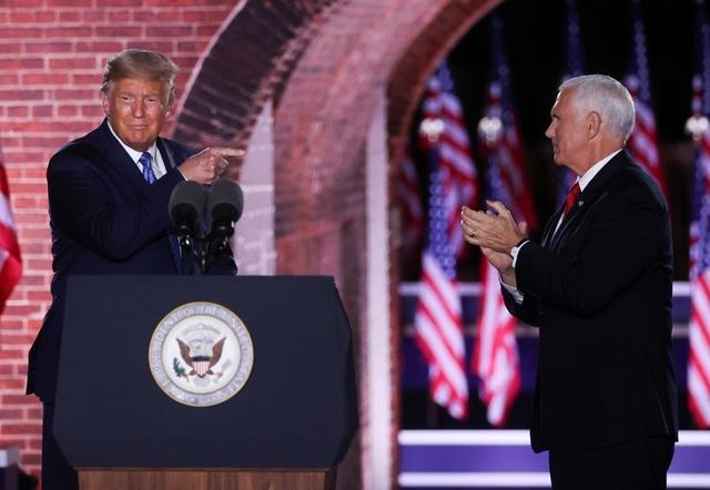 Phó tổng thống Pence: Người Mỹ cần một tổng thống tin tưởng vào nước Mỹ - 1