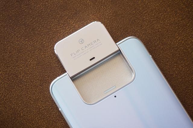 Asus trình làng bộ đôi smartphone ZenFone 7 với thiết kế camera lật - 4