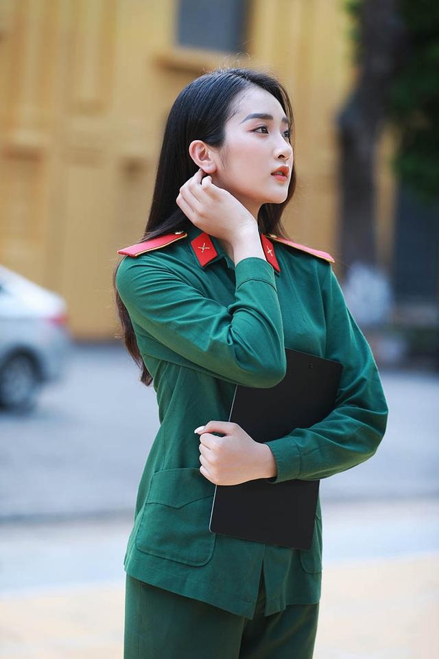 """10X xinh đẹp trường Quân đội: """"Con gái hiện đại phải có chất riêng"""" - 9"""
