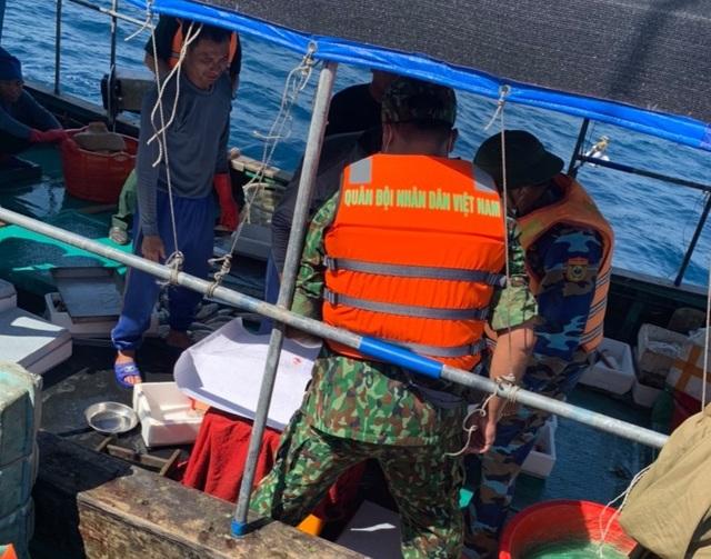Đẩy đuổi tàu cá Trung Quốc hoạt động trên vùng biển Việt Nam - 2
