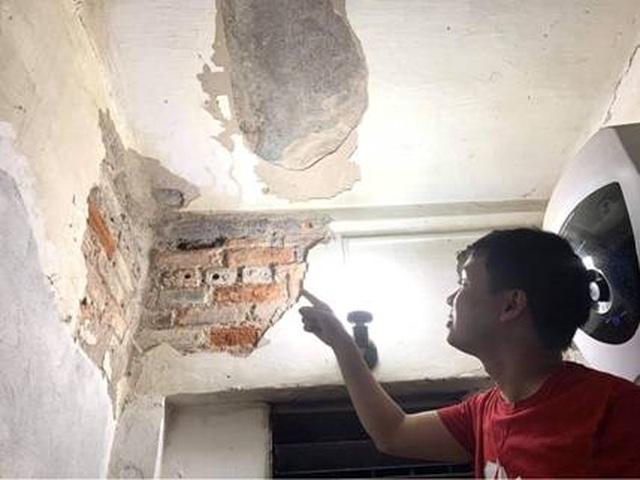 Hà Nội: Bất lực trước những khu chung cư cũ chờ sập - 12