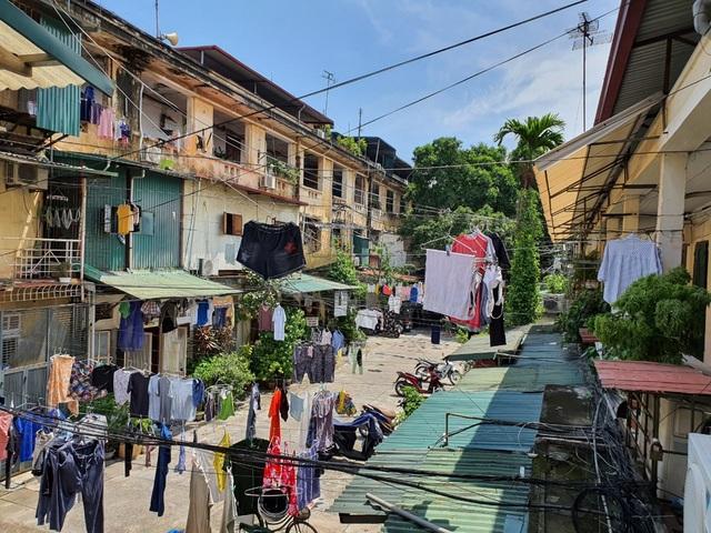 Hà Nội: Bất lực trước những khu chung cư cũ chờ sập - 5