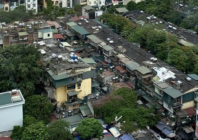 Hà Nội: Bất lực trước những khu chung cư cũ chờ sập - 8