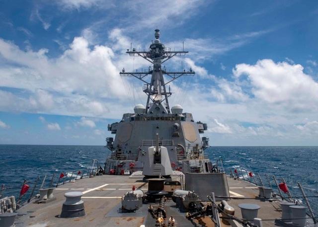 Tàu chiến Mỹ áp sát Hoàng Sa sau vụ Trung Quốc phóng tên lửa ra Biển Đông - 1