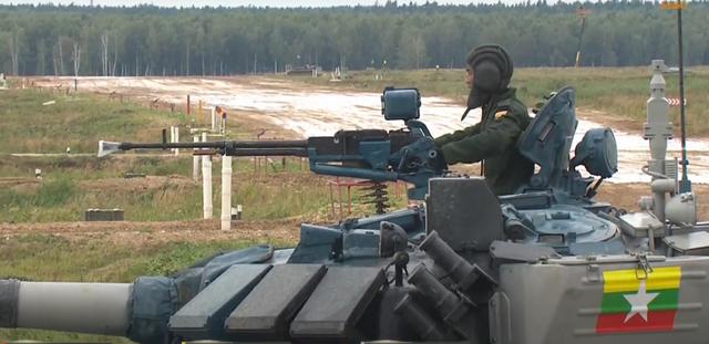 Xe tăng Việt Nam về nhì trong trận thi đấu thứ 3 tại Army Games - 11