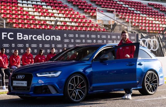 Cuộc sống siêu sang của Messi ở Barcelona - 14