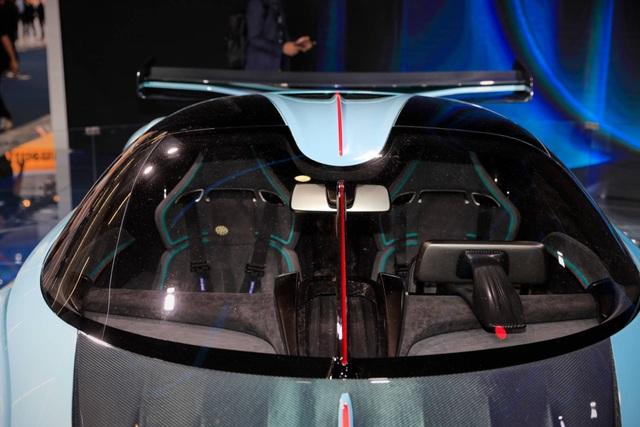 Soi chi tiết siêu xe hybrid giá 1,45 triệu USD của Trung Quốc - 11