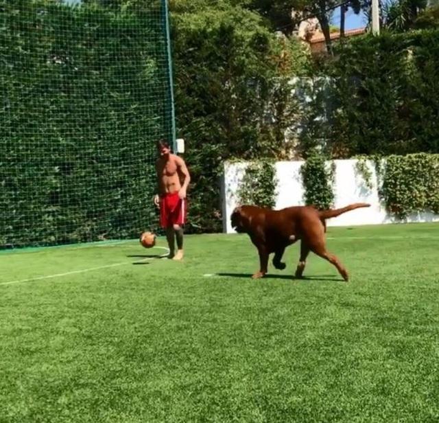 Cuộc sống siêu sang của Messi ở Barcelona - 5