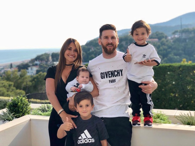 Cuộc sống siêu sang của Messi ở Barcelona - 1