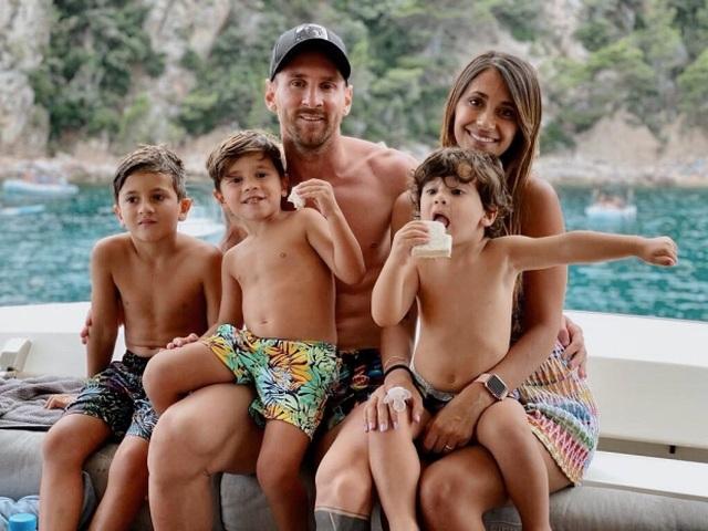 Cuộc sống siêu sang của Messi ở Barcelona - 16