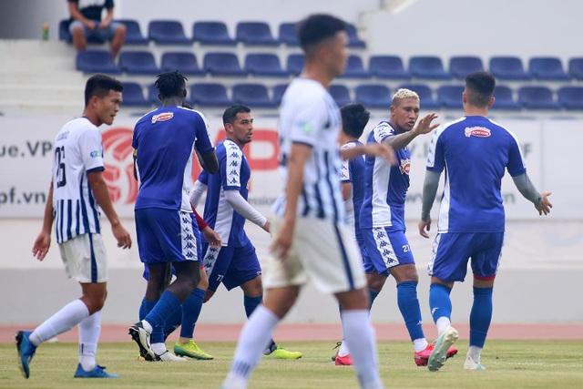 Những ngôi sao được chờ đợi cho ngày V-League trở lại - 2