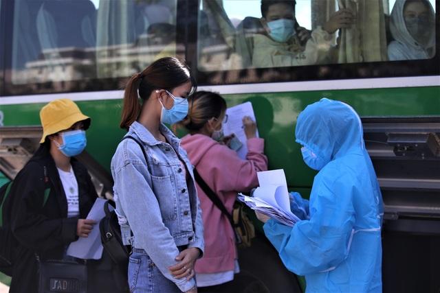 Đà Nẵng đề nghị hỗ trợ vận chuyển 600 người dân về TPHCM bằng máy bay - 1