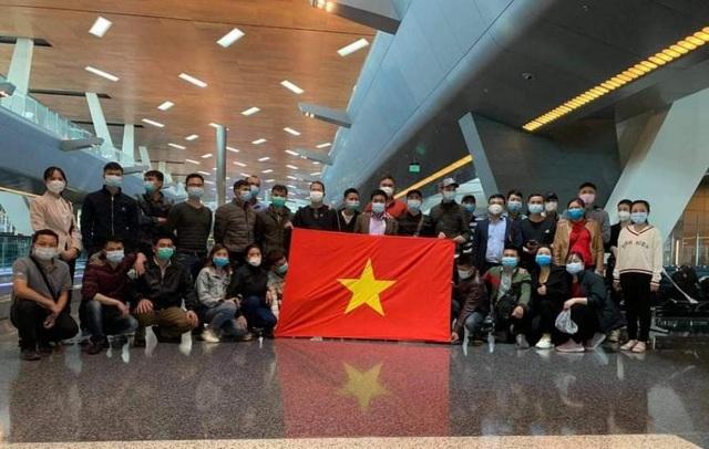 Người Việt tại châu Phi vui mừng tham gia chuyến bay hồi hương - 4