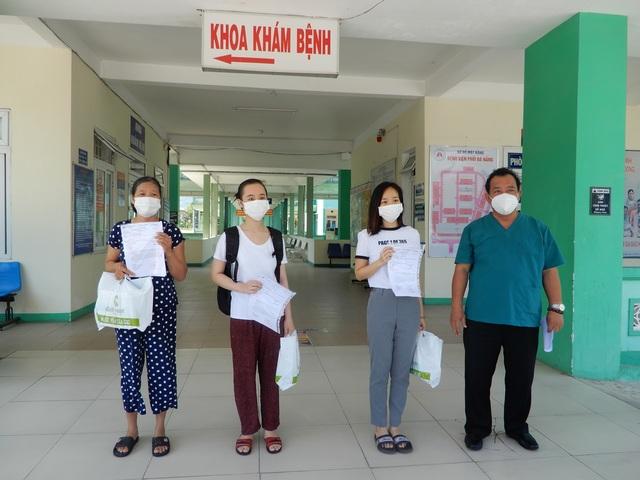 Đà Nẵng: Thêm 3 bệnh nhân mắc Covid-19 ra viện - 1