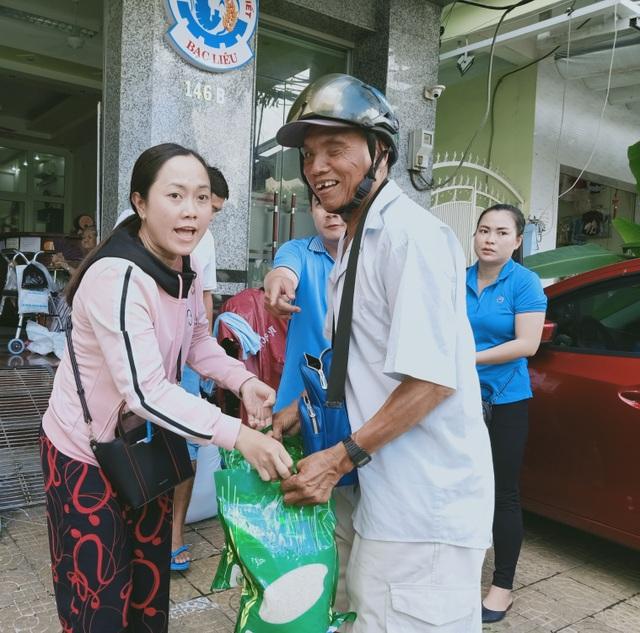 Bạc Liêu: Hỗ trợ gạo tới người có hoàn cảnh khó khăn dịp Rằm tháng 7 - 5