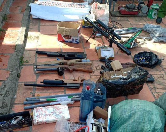 Nam thanh niên từ Đồng Tháp sang Vĩnh Long thuê nhà… sản xuất súng - 1