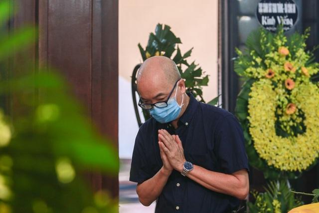 Người thân, đồng nghiệp nghẹn ngào tiễn biệt NSND Trần Phương - 9
