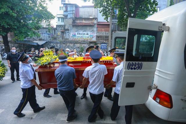 Người thân, đồng nghiệp nghẹn ngào tiễn biệt NSND Trần Phương - 20