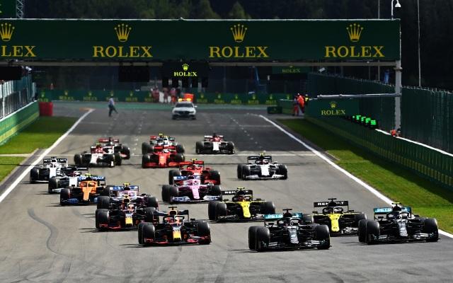 Hamilton thắng nhạt nhẽo trong chặng đua của sự cố và tai nạn - 4