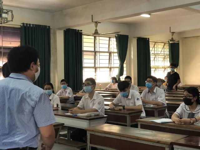 Điểm chuẩn thi năng lực vào Trường ĐH Kinh tế TPHCM, ĐH Công nghiệp TPHCM - 1
