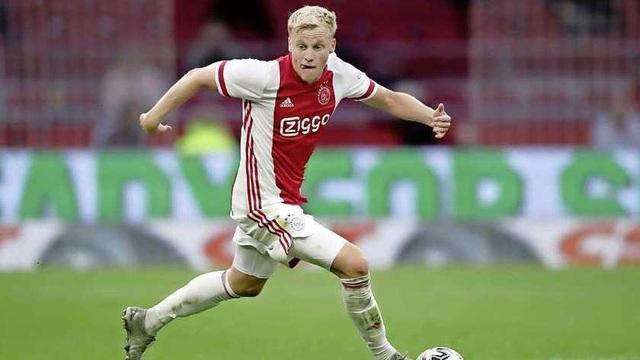 Donny van de Beek hoàn thành kiểm tra y tế của Man Utd - 1