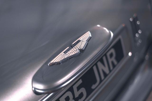 Aston Martin DB5 Junior - Chiếc xe trẻ con đắt hơn Mercedes C-Class - 10