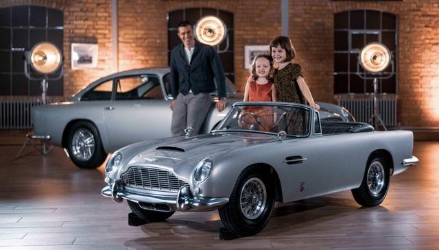 Aston Martin DB5 Junior - Chiếc xe trẻ con đắt hơn Mercedes C-Class - 1