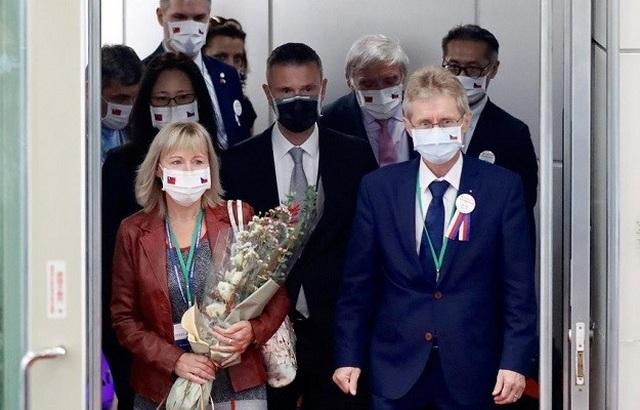 Trung Quốc cảnh báo Chủ tịch thượng viện Séc trả giá đắt vì thăm Đài Loan - 1