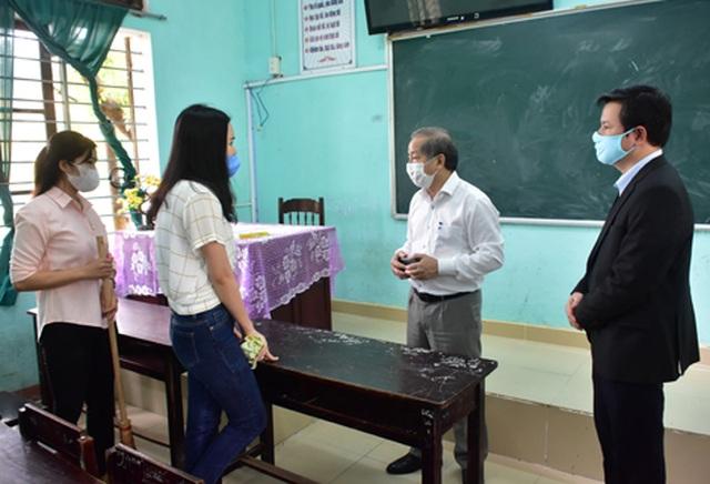 Toàn tỉnh Thừa Thiên Huế ra quân vệ sinh trường học chào đón năm học mới - 2