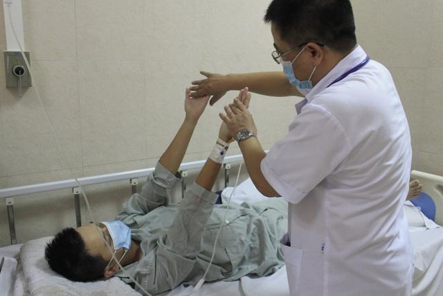 Hà Nội: Nam thanh niên sốc co giật sau liên hoan tiết canh - 1