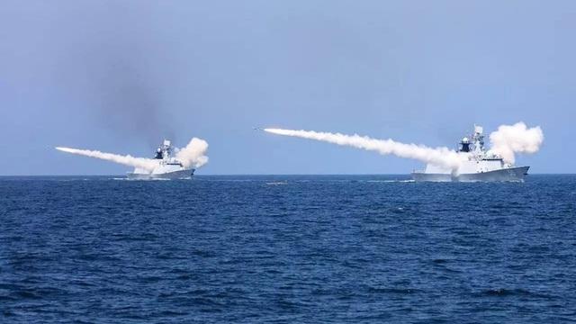 Việt Nam phản đối Trung Quốc tập trận, bắn tên lửa ở Biển Đông | Báo Dân trí