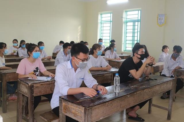 Hà Nam: 116 bài thi điểm 10, tỷ lệ đỗ tốt nghiệp THPT đạt 99,12% - 1