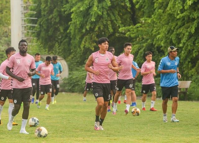 Đức Huy ngại va chạm với Văn Hậu, thích Messi về… CLB Hà Nội - 1
