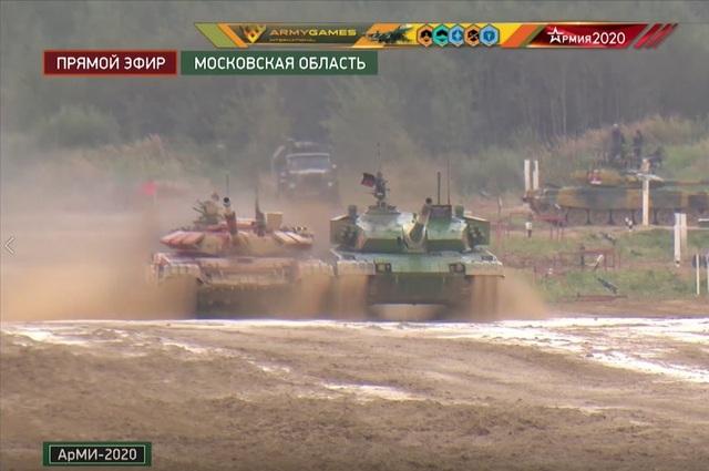 Xe tăng Trung Quốc và Azerbaijan suýt va chạm tại Army Games - 1