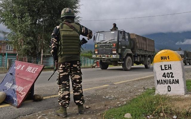 Căng thẳng biên giới Ấn Độ-Trung Quốc: Xe tăng hai bên sẵn sàng khai hỏa - 1